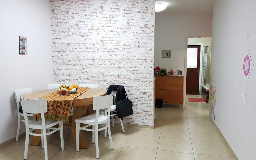 קרית חיים המזרחית רחוב הראשונים דירת 5 חדרים מפלס אחד