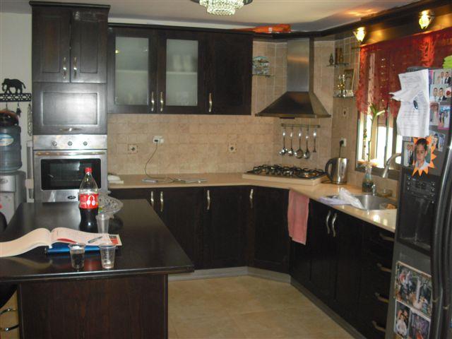 קרית חיים המערבית רחוב אלונים דירת קרקע 6 חדרים.