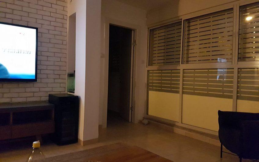 קרית חיים מזרחית רחוב חומה ומגדל דירת 4 חדרים