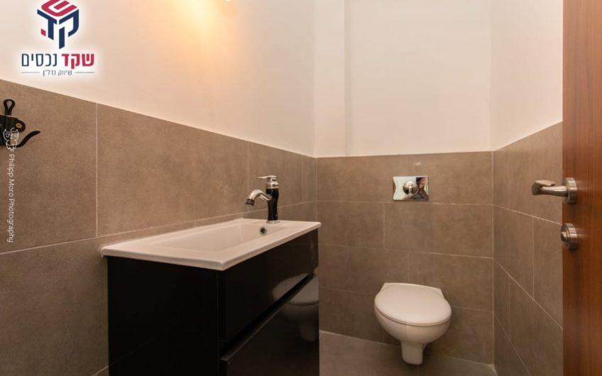 קרית אתא שכונת גבעת אלונים רחוב הסנונית דירת 5 חדרים. כחדשה!!!