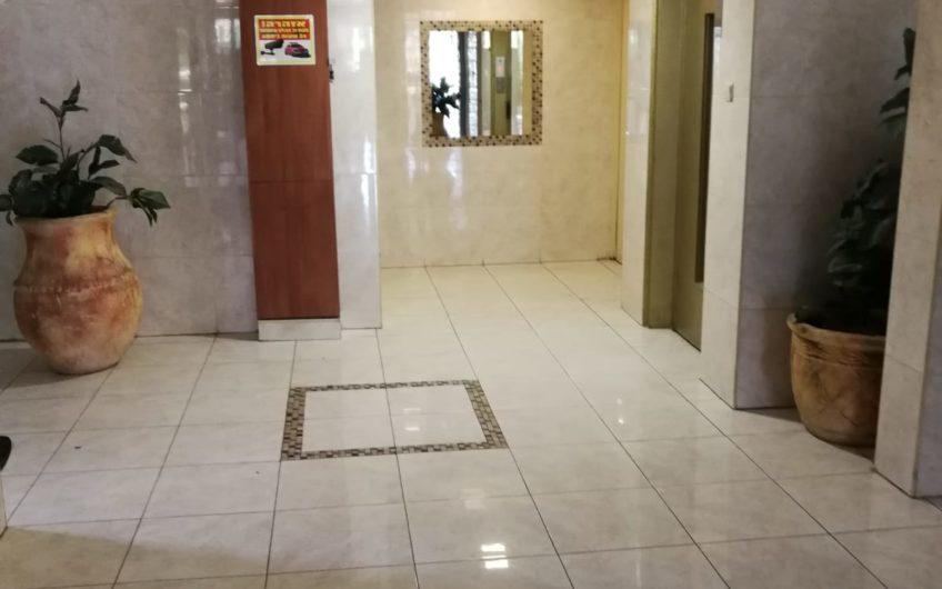 למכירה קרית מוצקין רחוב קדיש לוז דירת 5 חדרים.