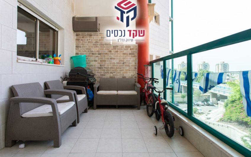 קרית מוצקין רחוב בן גוריון דירת 4 חדרים