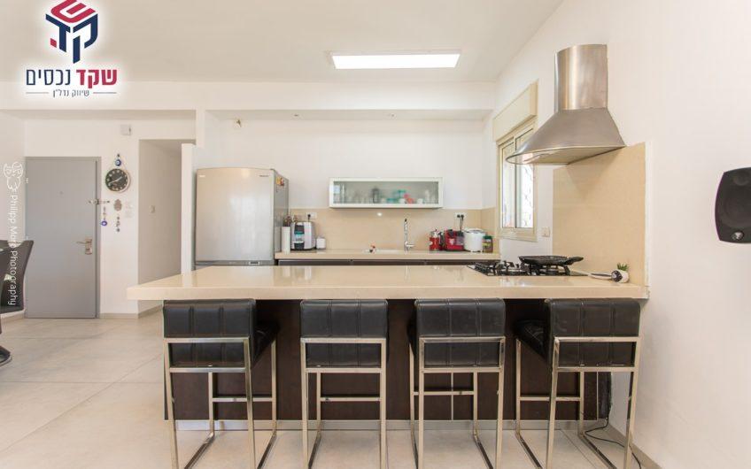 קרית חיים המזרחית רחוב הראשונים דירת 4 חדרים