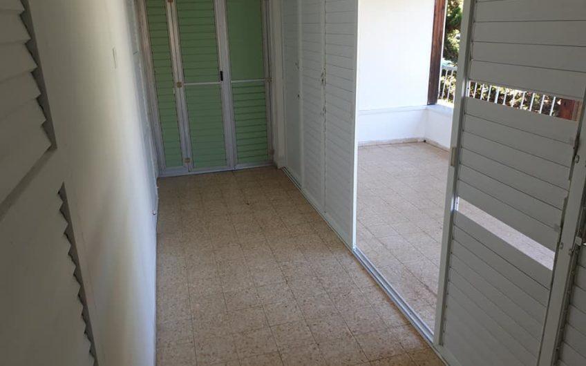 קרית ים רחוב ההגנה דירת 3 חדרים.
