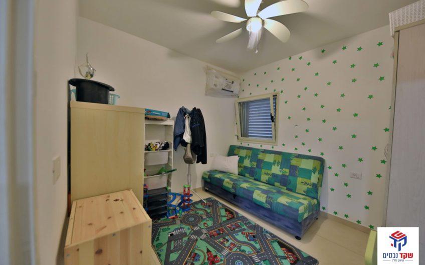 קרית אתא בשכונת גבעת אלונים רחוב הסנונית פנטהאוז 5 חדרים.